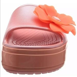 CROCS Shoes - Crocs can platform vivid blooms slide women's 4